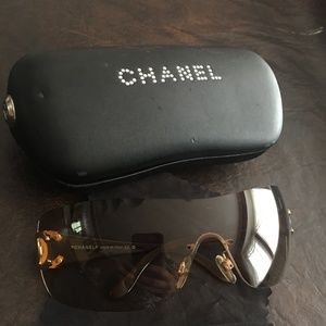 Chanel Sunglasses 4119 Large 125/13 w/case